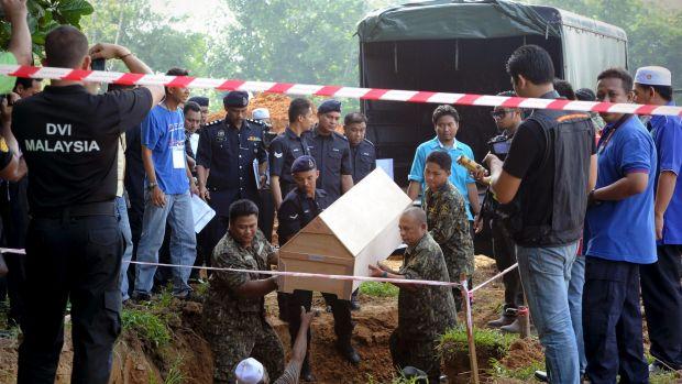Tướng Thái Lan lĩnh 27 năm tù giam vụ buôn người chấn động - 2