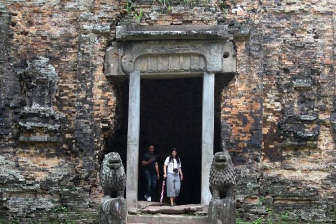 Du khách đổ xô tới di sản thế giới mới ở Campuchia - 6