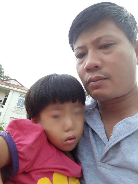Người đàn ông khắc khổ biệt tích sau khi để bé gái lại bệnh viện - 2