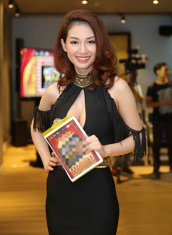 MC Quỳnh Chi ăn vận ngày càng táo bạo sau 2 năm ly hôn đại gia - 2