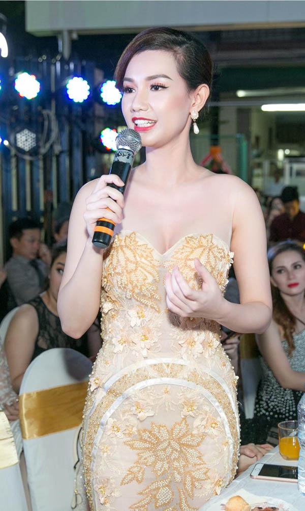 MC Quỳnh Chi ăn vận ngày càng táo bạo sau 2 năm ly hôn đại gia - 11