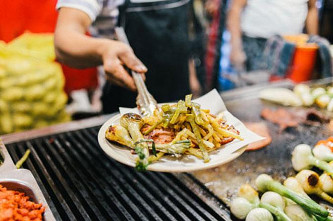 TP.HCM lọt top những điểm đến có ẩm thực đường phố tuyệt nhất thế giới - 9