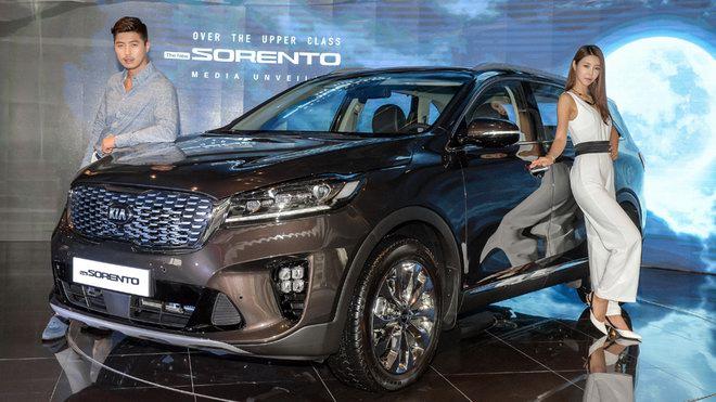 Kia Sorento 2018 có giá khởi điểm từ 562 triệu đồng - 2