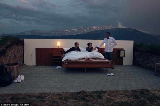 Lạ lùng khách sạn không có gì ngoài giường trên núi Alps - 4