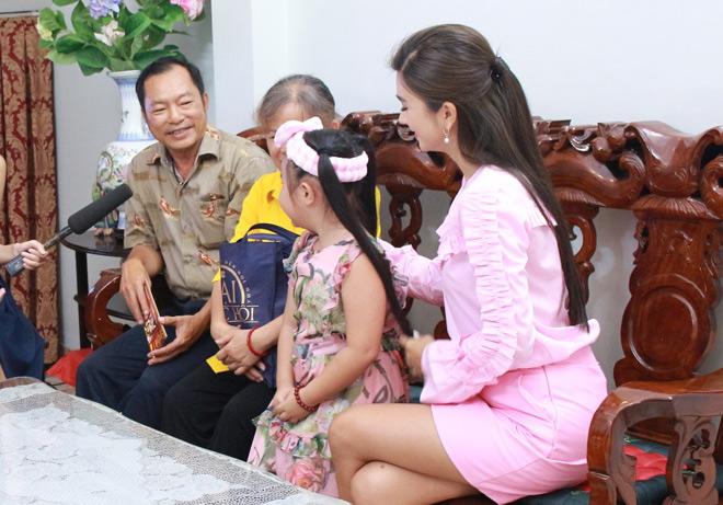 Nghệ sĩ Việt hạnh phúc khi mang niềm vui đến khán giả TodayTV - 10