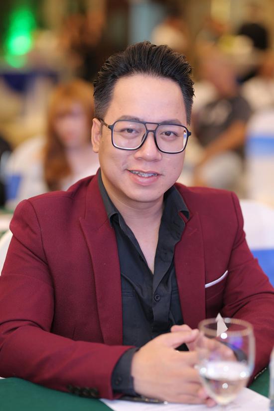 Phớt lờ mọi ồn ào, Võ Hoàng Yến làm giám khảo cùng MC Tùng Leo - 6