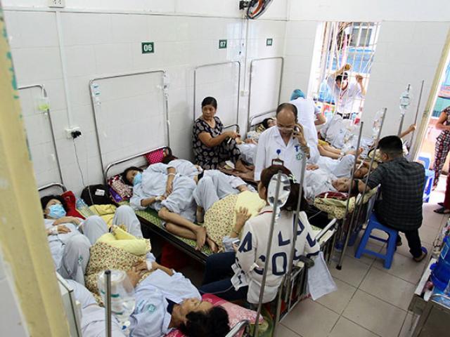 Bệnh viện quá tải, bác sĩ quay cuồng vì dịch sốt xuất huyết