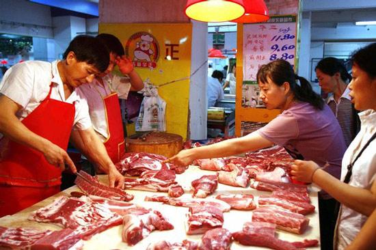 MỚI: Trung Quốc sẽ nhập khẩu 2,3 triệu tấn thịt lợn/năm - 1
