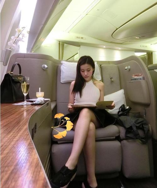 Sự thật cô gái Việt lên báo nước ngoài vì gợi cảm lại siêu giàu - 3