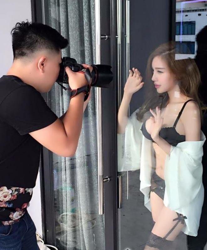 Tuyệt chiêu để có ảnh nội y cực khêu gợi cùng Elly Trần - 1