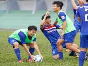"""U23 Việt Nam đấu  """" hổ châu Á """" : Công Phượng, Văn Toàn đấu vật"""