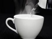 Vì sao uống nước ấm/nóng luôn tốt cho sức khỏe hơn là nước lạnh?