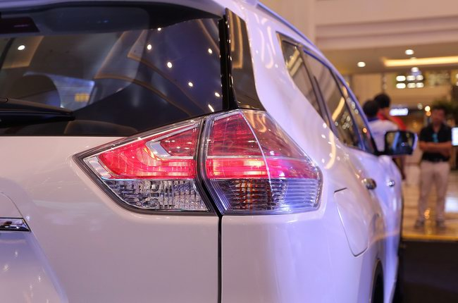 X-Trail Premium L gia tăng phụ kiện để cạnh tranh CX-5 - 7