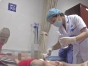 """Hơn 70 trẻ bị sùi mào gà: Đi khám họng, y sĩ  """" đòi """"  chữa bao quy đầu"""
