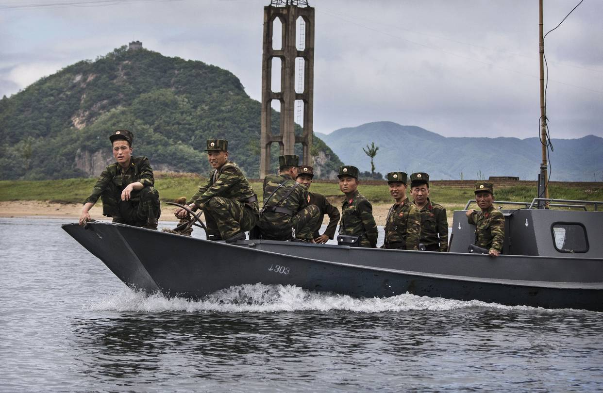 Trung Quốc tăng quân ở biên giới với Triều Tiên làm gì? - 1