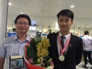 Nam sinh đoạt  cú đúp  Huy chương Vàng Vật lý quốc tế sẽ học ở đâu?