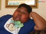 Bé trai 90 kg ăn cả giấy toilet vì không bao giờ thấy no