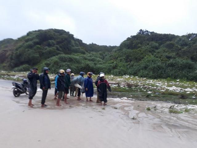 Phát hiện 1 thi thể không đầu ở bờ biển Quảng Trị