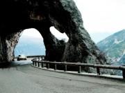 Phượt trên những cung đường đẹp và nguy hiểm nhất châu Âu