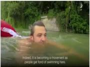 Đức: Ghét tắc đường, nhảy sông bơi 2km đi làm mỗi ngày