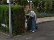 Anh: Sốc vì nhìn thấy người mẹ đã chết trên Google Earth