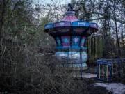 Cảnh rợn người bên trong công viên bỏ hoang suốt 12 năm ở Mỹ