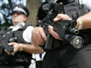 Mỹ: Đang yên đang lành, bị cảnh sát đến nhà bắn chết