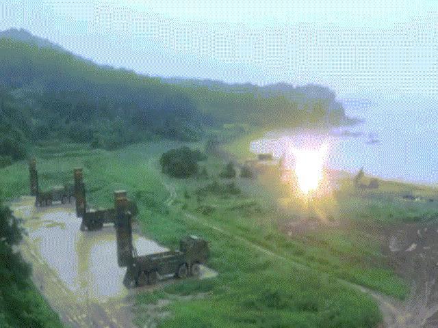 Mỹ-Hàn lập tức đem tên lửa ra phóng, đáp trả Triều Tiên
