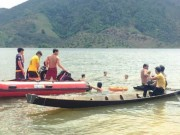 Lật thuyền 2 học sinh tử vong, cha mẹ ngây dại khi thấy xác con