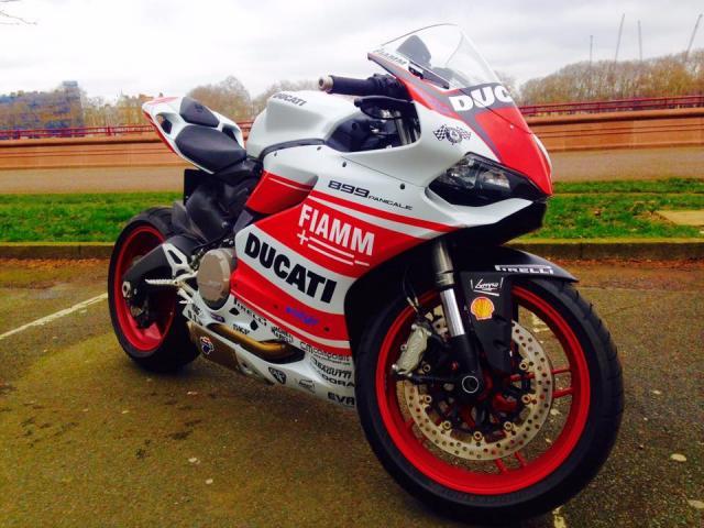 Siêu mô tô động cơ V4 của Ducati sắp trình làng - 3