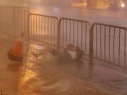 Thế giới - Gió bão 180km/giờ thổi bay người ở Đài Loan