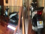 """Thế giới xe - """"Choáng"""" với Honda SH biển 6 con 9 cất trong tủ kính tại VN"""