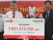 Tin tức trong ngày - Xổ số Vietlott: Nữ sinh đại học âm thầm nhận giải jackpot 14 tỉ