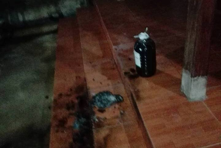 Táo tợn ném bom xăng vào nhà nguyên Bí thư Huyện ủy Hương Khê