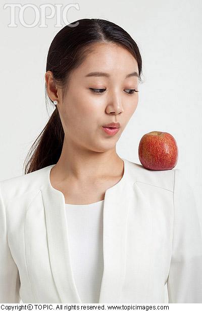 Ăn táo giúp tăng khoái cảm tình dục - ảnh 1