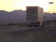 Thế giới - Hà Lan: Đột nhập xe tải tốc độ cao lấy iPhone táo tợn như phim