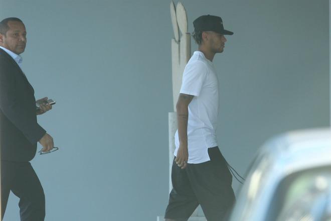 Mất Neymar, Barca vô lo: Messi sẽ lại dựng tam tấu mới - 2