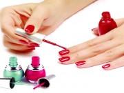 Góc đồ họa - Lạm dụng sơn và chất tẩy móng có gây hại tới sức khỏe
