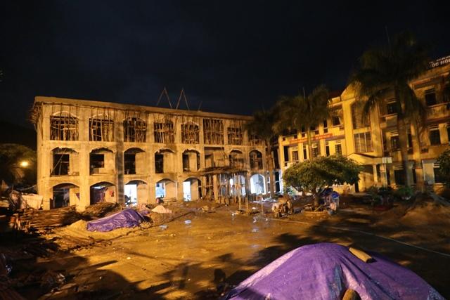Xuyên đêm phá đá tìm kiếm 12 người mất tích ở Yên Bái - 3