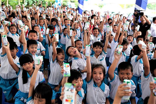 Vinamilk thăm hỏi và tri ân tới các mẹ Việt Nam anh hùng - 3