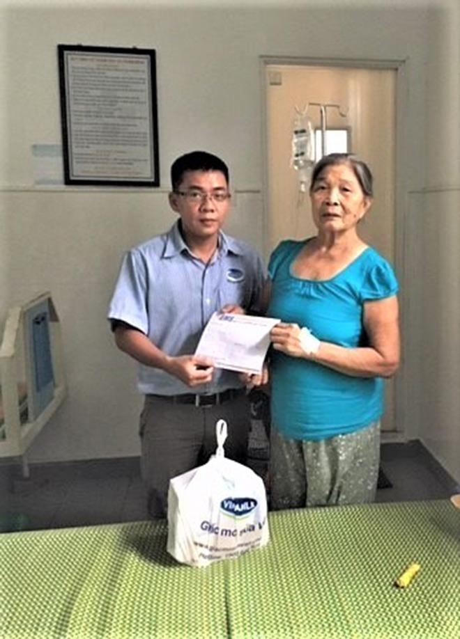 Vinamilk thăm hỏi và tri ân tới các mẹ Việt Nam anh hùng - 2