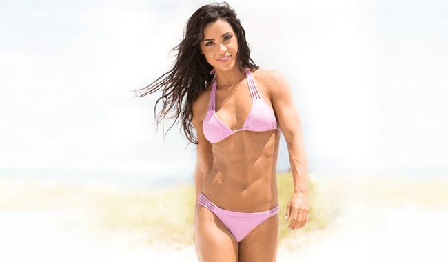 Andreia Brazier có chiều cao 1m65 nặng 53kg, số đo 3 vòng chẳng kém gì người mẫu chuyên nghiệp.