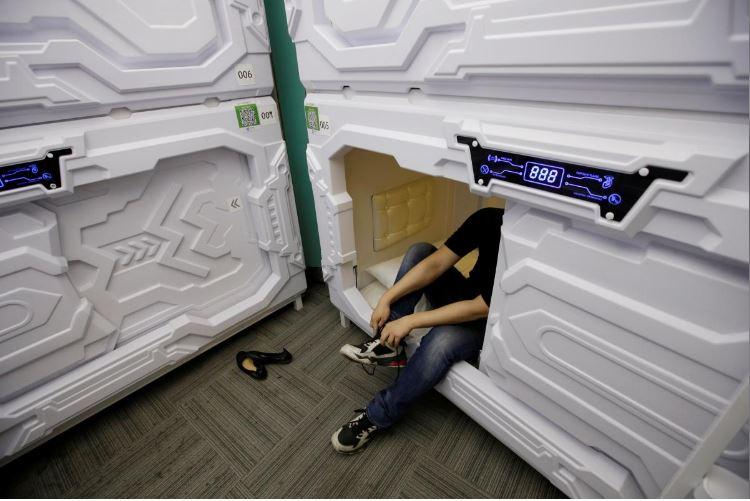 """Có gì trong """"khách sạn tổ kén"""" cho dân văn phòng ngủ trưa ở Trung Quốc? - 3"""