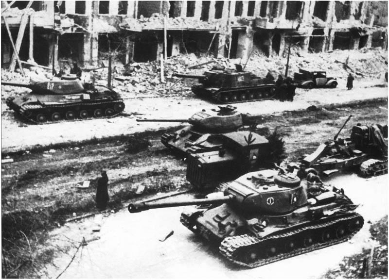 Quân đoàn xe tăng huyền thoại Nga áp sát phương Tây - 3