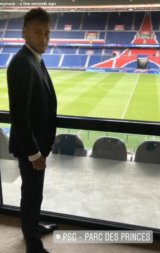 Neymar ra mắt PSG: Tri ân Barca, phủ nhận chia tay vì Messi - 7