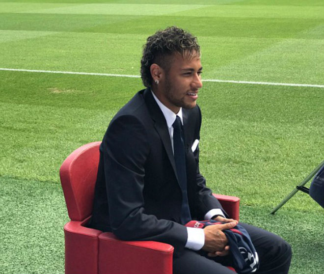 Neymar ra mắt PSG: Tri ân Barca, phủ nhận chia tay vì Messi - 8