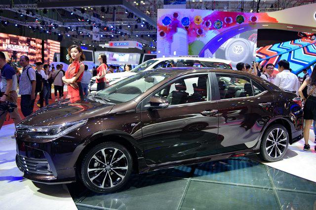 Toyota Corolla Altis 2017 về Việt Nam quyết đấu Mazda3 - 2