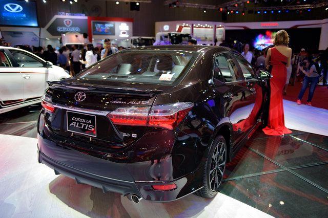 Toyota Corolla Altis 2017 về Việt Nam quyết đấu Mazda3 - 3