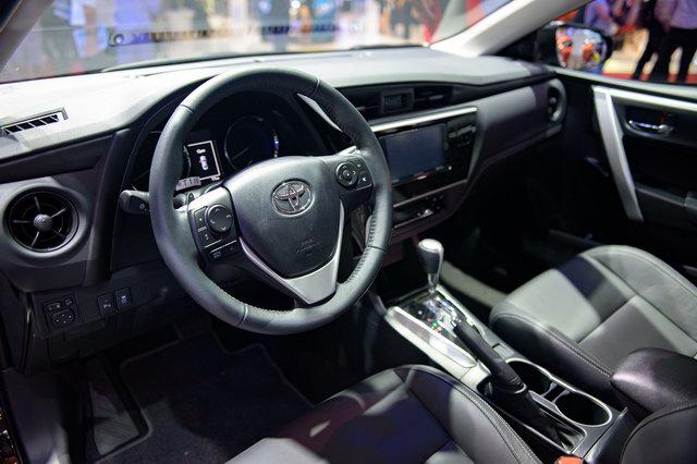 Toyota Corolla Altis 2017 về Việt Nam quyết đấu Mazda3 - 4