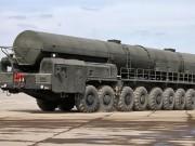 """Tên lửa đạn đạo 110 tấn của Nga  """" biết """"  khoan lưới lửa Mỹ"""